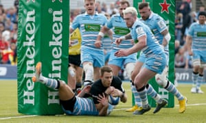 Liam Williams scores for Saracens in their victory over Glasgow Warriors.