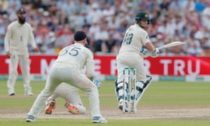 Steve Smith picks up runs off Joe Root on day three; the batsman now has 190 runs in the first Test.