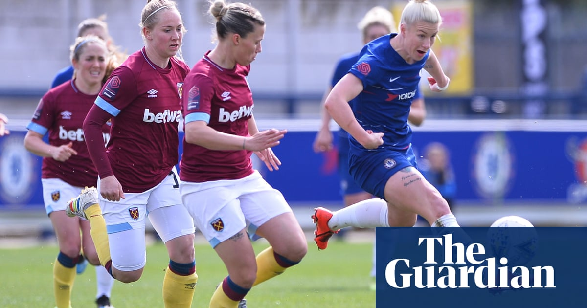 Phil Neville gives four players first England Women's squad call-ups