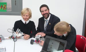 Ollie Bray and children making Lego cars