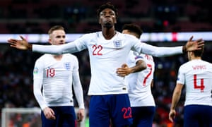 Tammy Abraham from England scores a goal for 7: 0.