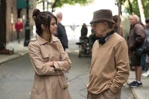 Woody Allen on the Rainy Day set with Selena Gomez