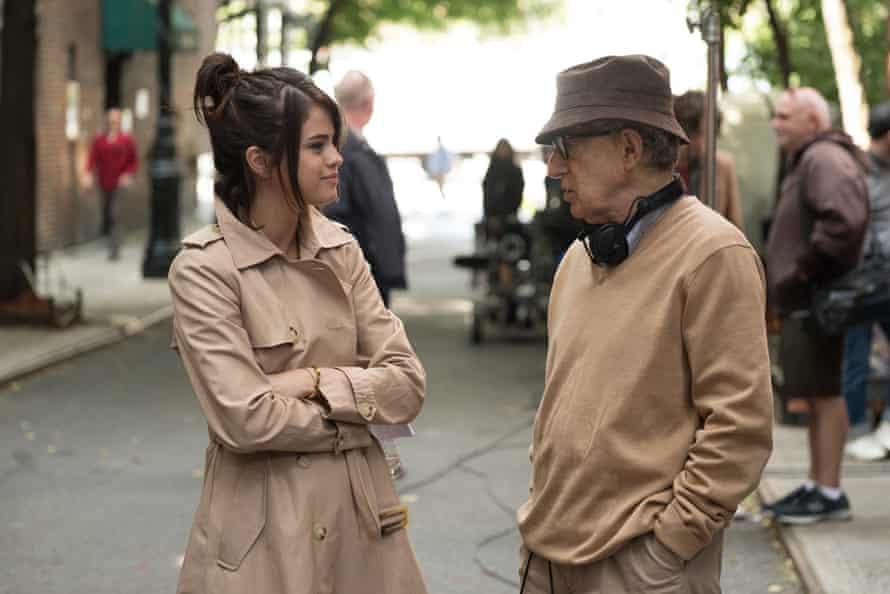 Woody Allen on the Rainy Day set with Selena Gomez