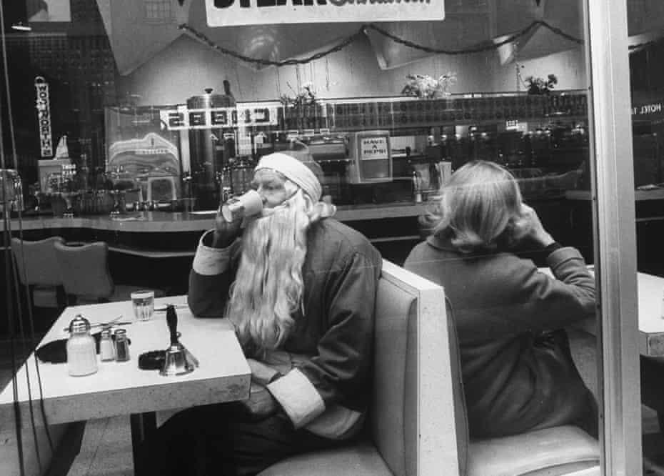 A Santa taking a coffee break in New York, December 1962.