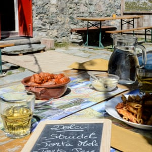 Fuel for hungry hikers at Rifugio Gardetta