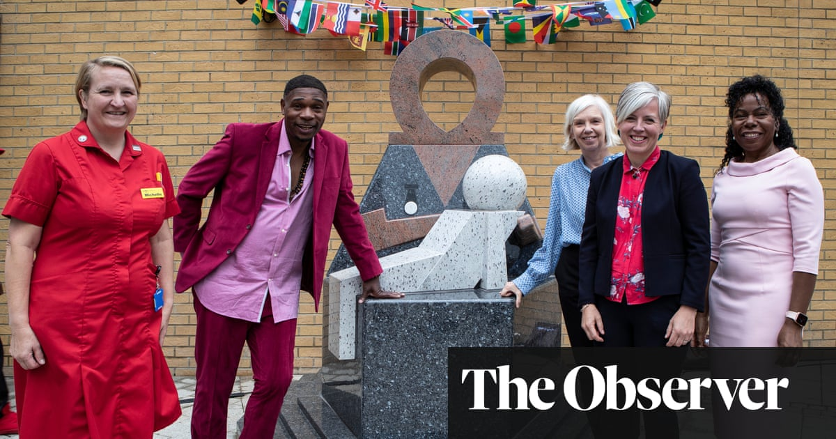 Statue celebrating the NHS's Windrush nurses unveiled in London