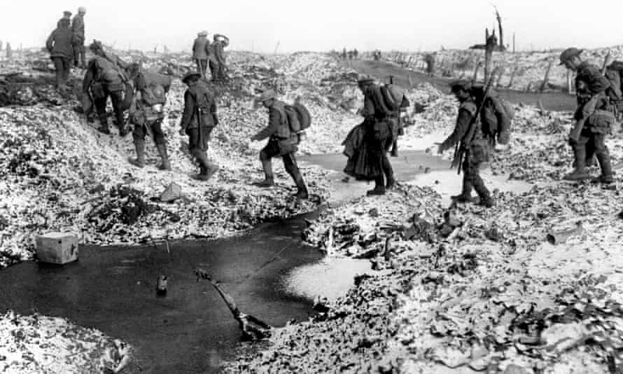 British soldiers during the battle of the Somme in 1916