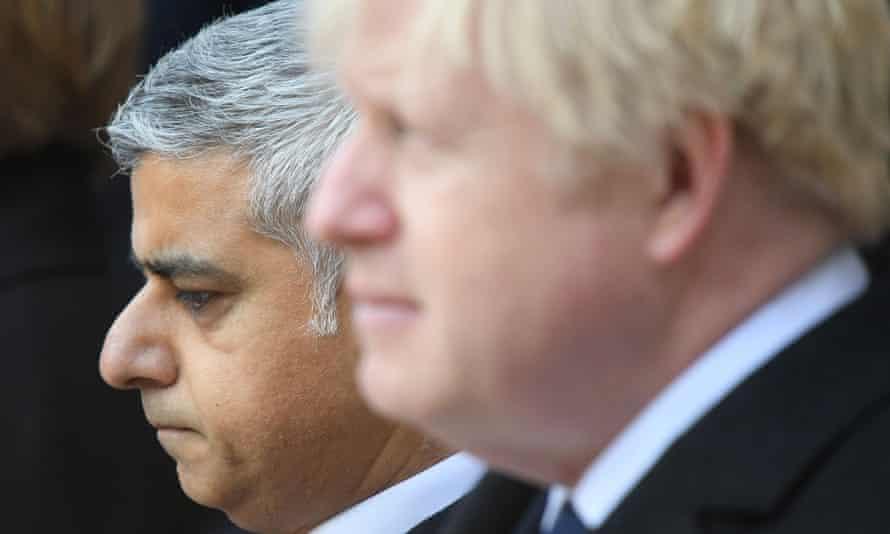 London mayor Sadiq Khan (L) and Boris Johnson