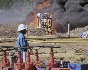 An oil well undergoes testing in the Lake Albertine region, 2010.