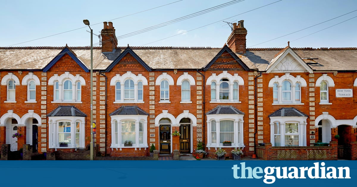 Boom or bust what s the truth about uk house prices for Terraced house meaning