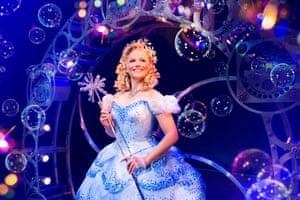 Suzie Mathers as Glinda