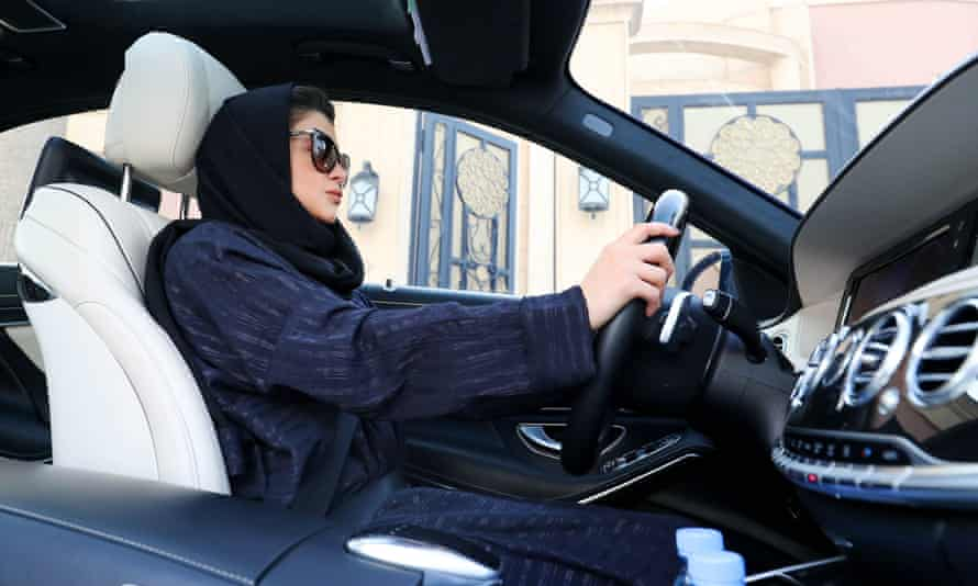 A Saudi woman practices driving in Riyadh, on 29 April 2018, ahead of the lifting of a ban on women driving in Saudi Arabia in the summer.