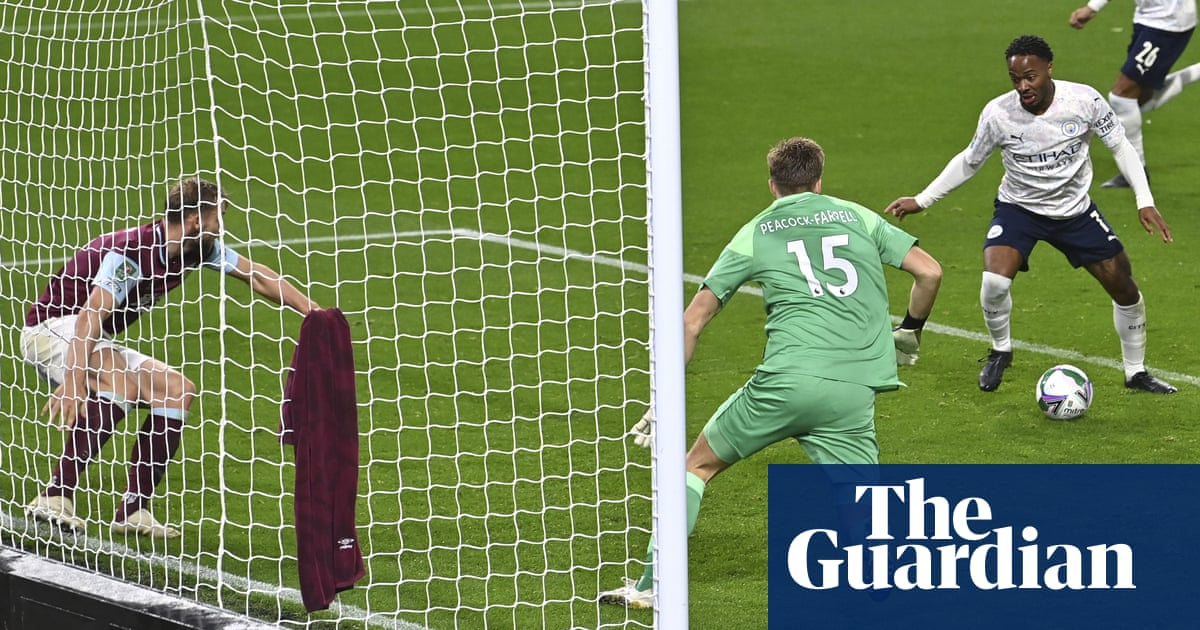 Raheem Sterling steers Manchester City past Burnley into last eight