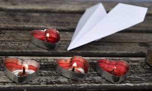 Candles lit in memory of Kazakhstan plane crash victims