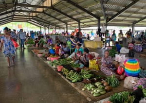 The central market in Lorengau.