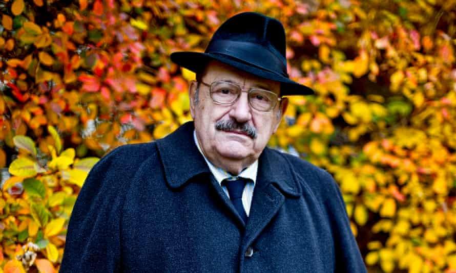 Italian novelist and theorist Umberto Eco.
