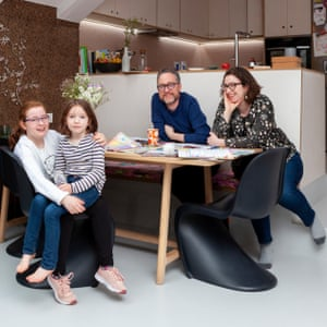 Dan Barber and Hat Margolies and their daughters at the dining table (from hay.dk).