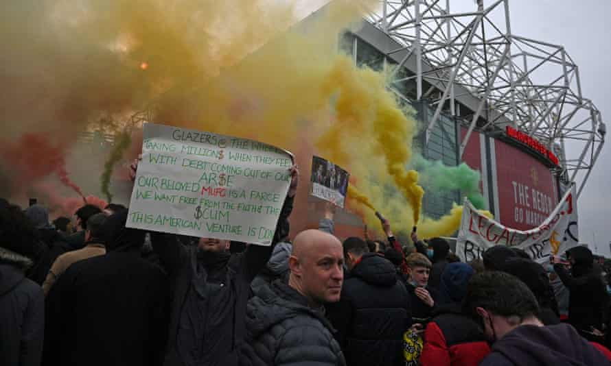 Manchester United's performances on the pitch have been affected by protests by supporters, according to Ole Gunnar Solskjær.