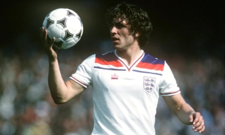 Kenny Sansom playing for England against Wales