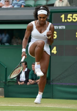 Serena wins the first set.