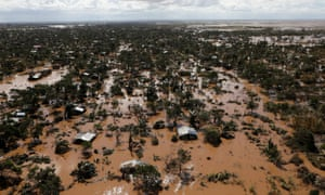 Flooded homes after Cyclone Idai in Buzi district outside Beira, Mozambique, March 21, 2019. REUTERS/Siphiwe Sibeko/File Photo
