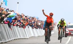Marianne Vos celebrates winning the Tour de Yorkshire ahead of Mavi García of Spain and Italy's Soraya Paladin