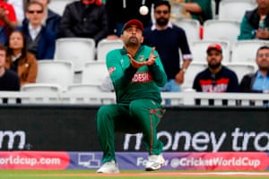 Tamim keeps his eyes on the ball to catch Guptill for 25.
