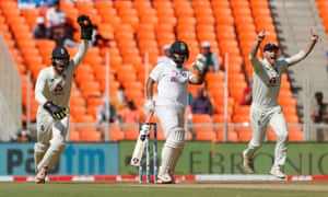 England wicketkeeper Ben Foakes of England appeals for the wicket of Rishabh Pant.