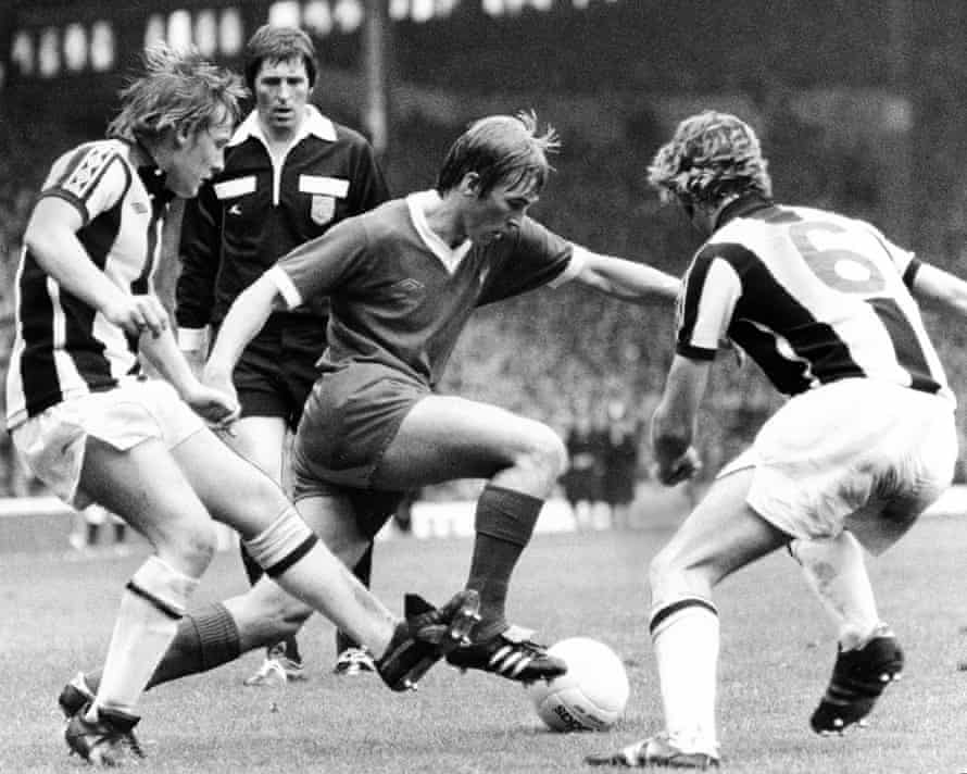 Kenny Dalglish in action against West Brom in August 1977, the last game attended by Malik Al Nasir at Anfield.