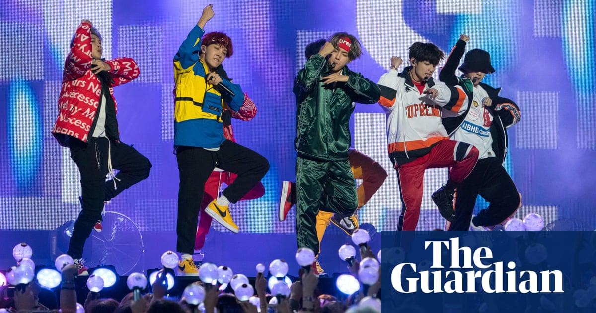BTS: Korean band's managers apologise over Nazi photos thumbnail