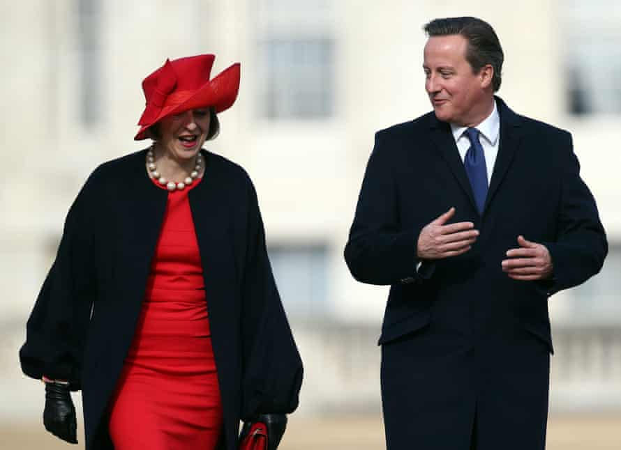 Cameron talks with Theresa May after greeting China's president