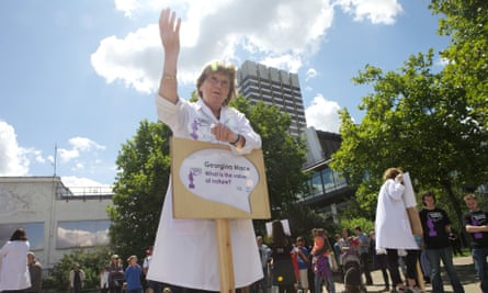 Georgina Mace speaking on the value of nature at SoapboxScience, London, 2011.