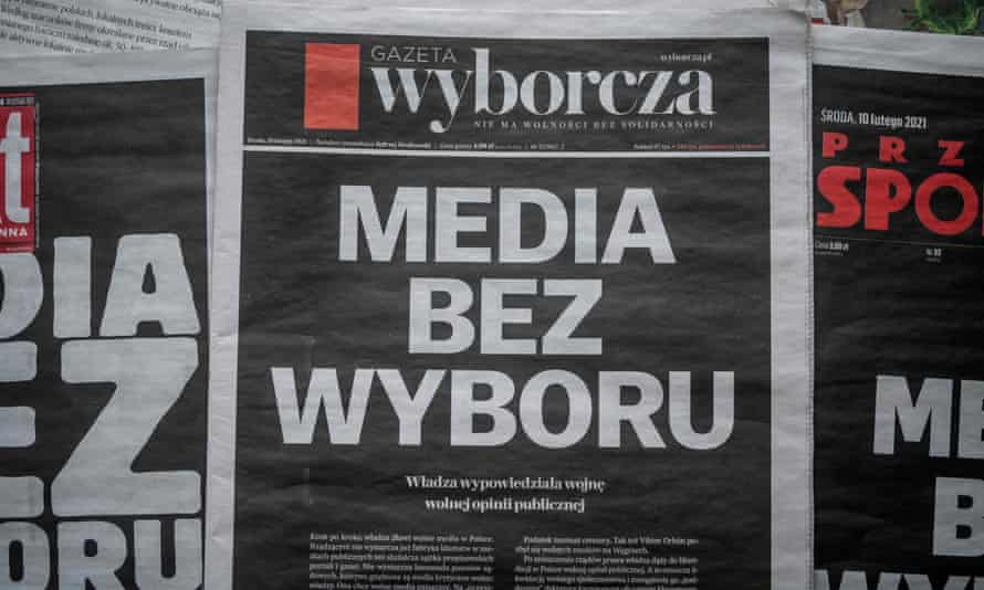 Gazeta Wyborcza's front page reads 'Media without choice' in February, protesting against the new media tax.