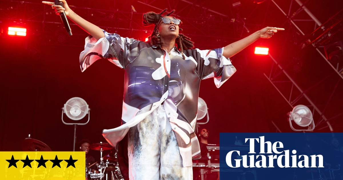 End of the Road 2021 review – phones firmly in pockets at life-affirming festival