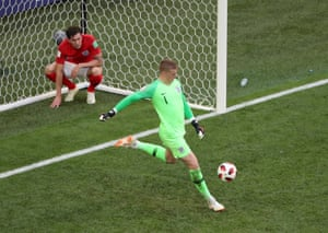 Jordan Pickford looks pretty angry about that.
