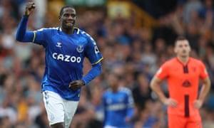 Everton's Abdoulaye Doucoure celebrates scoring their second goal.