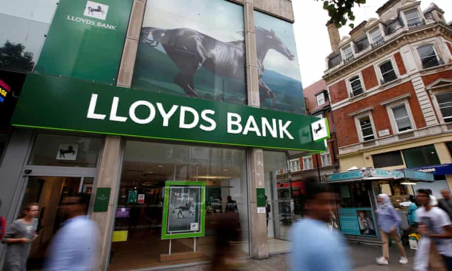 Lloyds Bank on Oxford Street