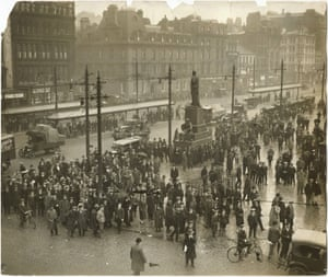 People await news on the General Strike in Piccadilly Gardens Manchester, 5 May 1926.