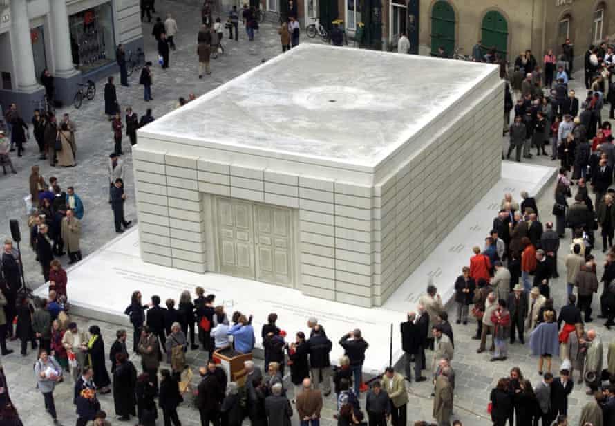 Rachel Whiteread's Holocaust memorial in Vienna.