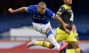 Richarlison scores for Everton v Southampton