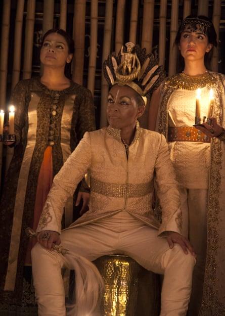 Ayesha Dharker as Aumerle, Adjoa Andoh as Richard II and Leila Farzad as Queen in Richard II.