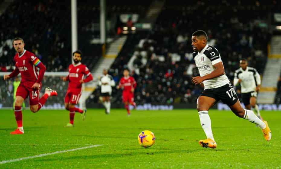 Fulham's Ivan Cavaleiro runs with the ball against Liverpool.