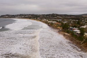 Beachfront homes along the NSW Central Coast are at risk of collapse due to beach erosion