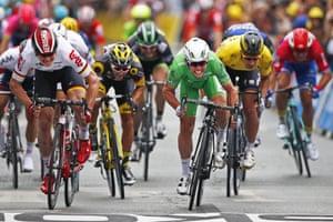 Cavendish wins, from Greipel.