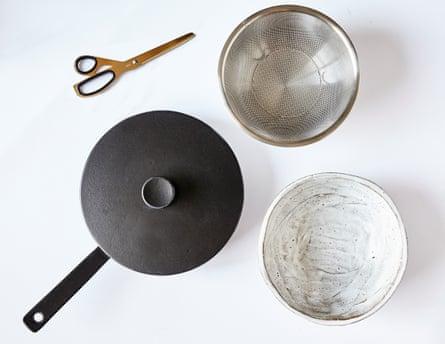 Hay scissors, Crane pan, Muji sieve, Kana fruit bowl