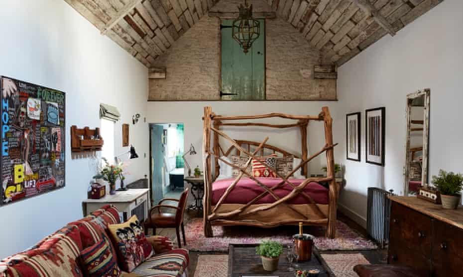 bedroom. Artist Residence Oxfordshire, Witney