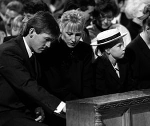 Cates with her father, Kenny Dalglish, and mother, Marina, at a Hillsborough memorial service in 1989.