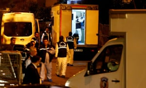 Turkish police forensic experts arrive at Saudi Arabia's consulate in Istanbul.