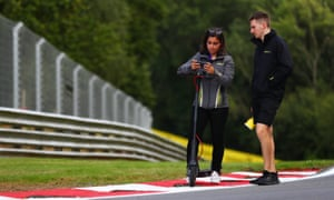 Jamie Chadwick reconnoitres the Brands Hatch track with her engineer to prepare for the W Series finale on Sunday