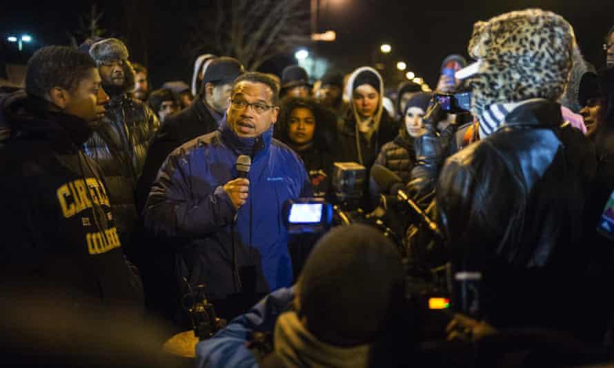 Congressman Keith Ellison speaks to protesters.